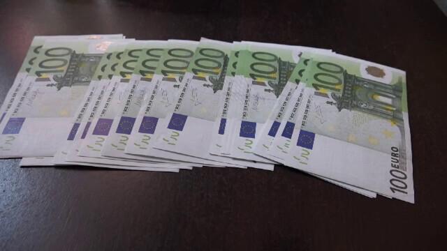 Țara în care deputații primesc aproape 50.000 de euro ca să-şi cumpere maşină