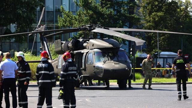 Armata SUA va suporta toate pagubele provocate de aterizarea forțată în Piața Charles De Gaulle - Imaginea 5
