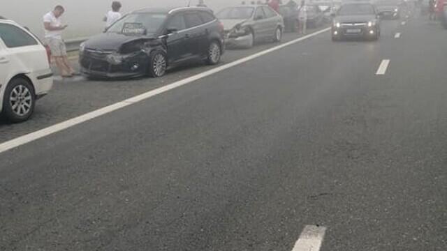 """Cauza carambolului de pe A2. Șofer: """"Mergeam cu 90 de km/h şi dintr-o dată am văzut numai lumini roşii"""" - Imaginea 9"""