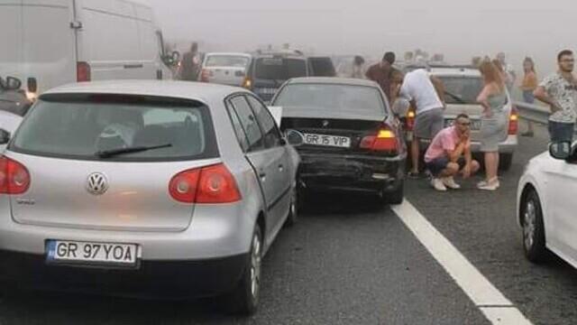 """Cauza carambolului de pe A2. Șofer: """"Mergeam cu 90 de km/h şi dintr-o dată am văzut numai lumini roşii"""" - Imaginea 2"""