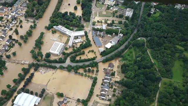 """Analiză AFP: De ce inundaţiile din Europa sunt atât de devastatoare? """"Pământul devine din ce în ce mai cald"""" - Imaginea 14"""