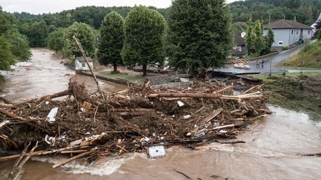 """Analiză AFP: De ce inundaţiile din Europa sunt atât de devastatoare? """"Pământul devine din ce în ce mai cald"""" - Imaginea 12"""