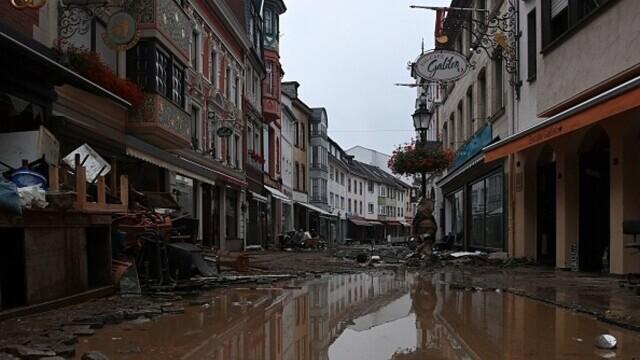 """Analiză AFP: De ce inundaţiile din Europa sunt atât de devastatoare? """"Pământul devine din ce în ce mai cald"""" - Imaginea 11"""