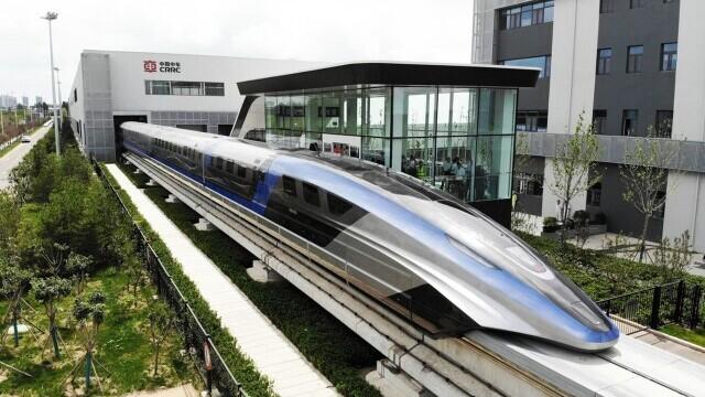 China a prezentat un tren care merge cu 600 km/h VIDEO & FOTO - Imaginea 1