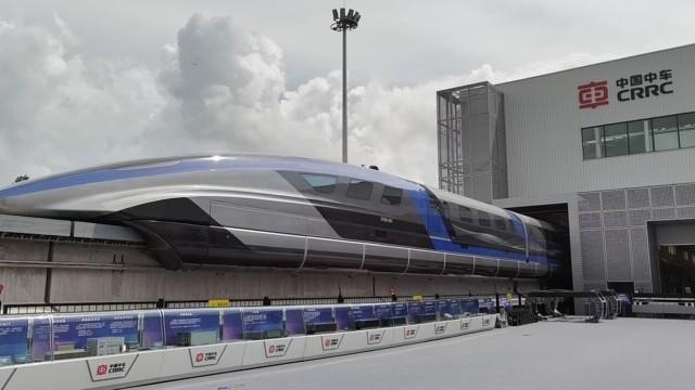 China a prezentat un tren care merge cu 600 km/h VIDEO & FOTO - Imaginea 4