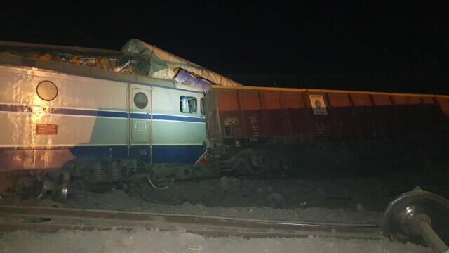 Două trenuri s-au ciocnit la Fetești. Mecanicul era băut. Drulă: Sistemul de frânare automată nu a funcționat - Imaginea 3