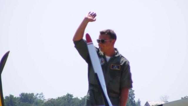 Tragedie la Clinceni! Un pilot a murit dupa ce s-a prabusit cu avionul - Imaginea 5