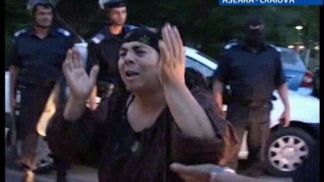 S-au incins iar spiritele la Craiova: bataie intre romi si interlopi! - Imaginea 2