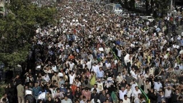 Iranul, un butoi cu pulbere dupa realegerea lui Ahmadinejad - Imaginea 2