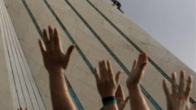 Iranul, un butoi cu pulbere dupa realegerea lui Ahmadinejad - Imaginea 8