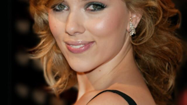Chipul celei mai sexy femei din lume dincolo de machiajul profesionist. Fanii abia au recunoscut-o - Imaginea 5