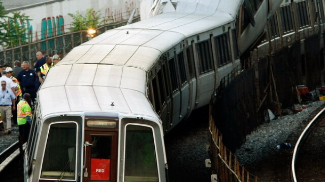 Tragedie in Washington! Cel putin noua morti dupa un accident la metrou - Imaginea 6