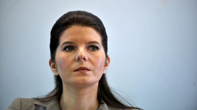 Monica Iacob Ridzi si-a prezentat, in plenul Camerei, demisia din PDL