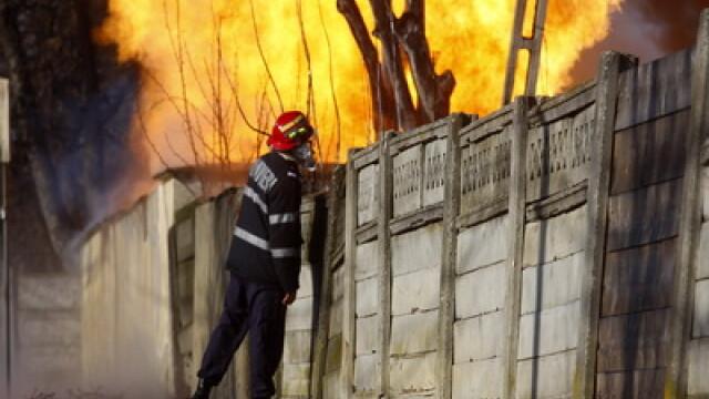 Incendiu in centrul Constantei. O casa a ars aproape doua ore