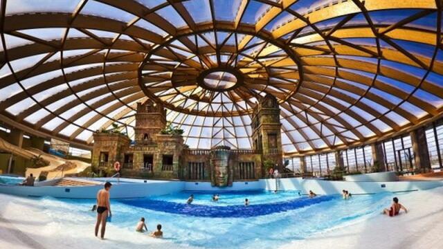 Cel mai mare parc acvatic acoperit din Europa e la 2 pasi de Romania - Imaginea 5