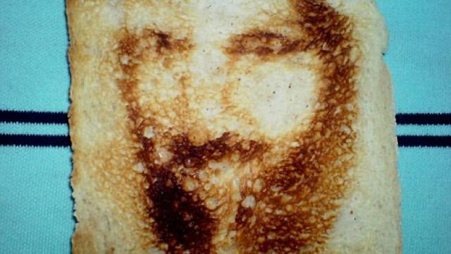 Aparitie ciudata pe o felie de paine - Osama ii bantuie pe englezi si dupa moarte