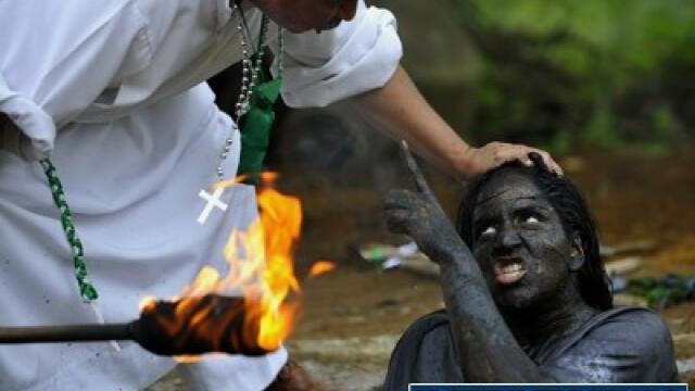 Cum scoate Diavolul din oameni un columbian. Ritual de exorcizare necenzurat - Imaginea 1