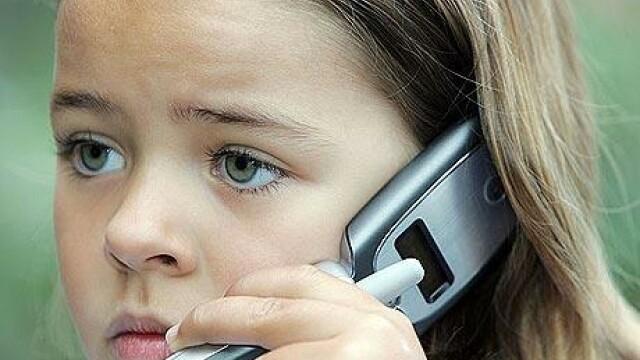 A ascultat la telefon moartea mamei sale. Povestea dramatica a unei fete de 12 ani din Brasov