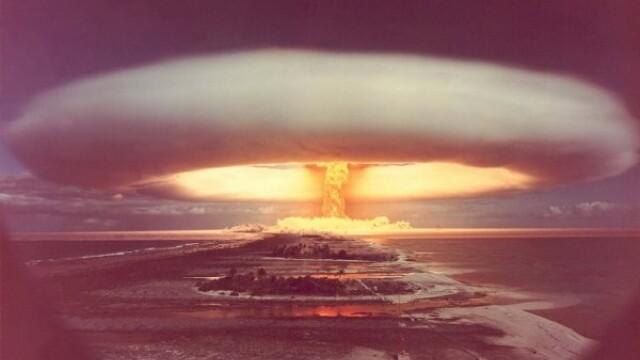 Explozie cu o putere luminoasa de 500 de ori cat a Soarelui. Bomba cu hidrogen lansata din avion - Imaginea 2