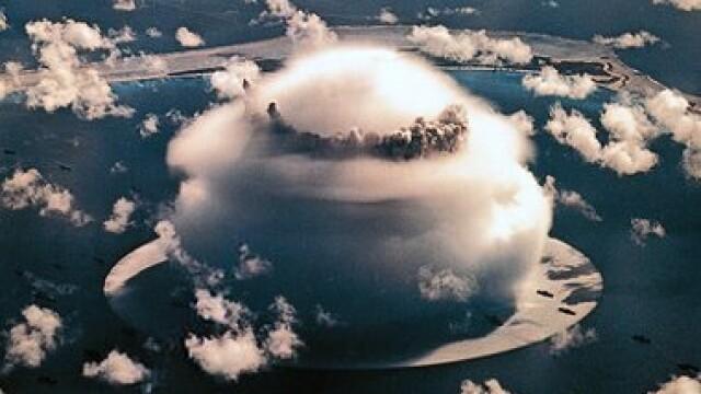 Explozie cu o putere luminoasa de 500 de ori cat a Soarelui. Bomba cu hidrogen lansata din avion - Imaginea 1