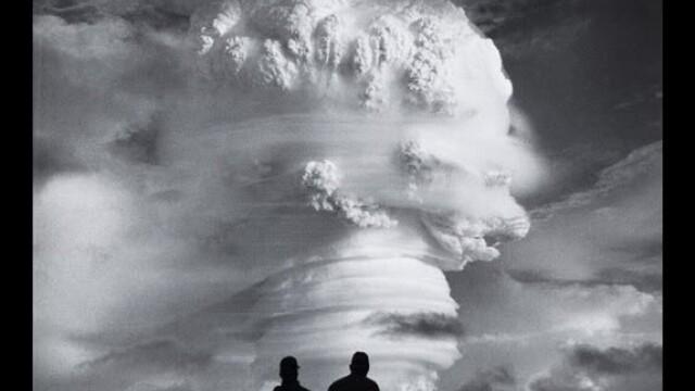 Explozie cu o putere luminoasa de 500 de ori cat a Soarelui. Bomba cu hidrogen lansata din avion - Imaginea 9