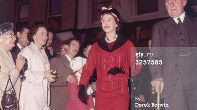60 de ani in care coroana i-a definit viata. Transformarea in imagini a Reginei Elisabeta a II-a - Imaginea 6