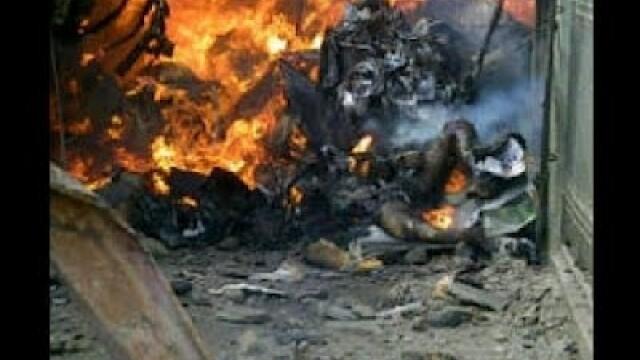 Cel putin 153 de oameni au murit dupa ce un Boeing s-a prabusit intr-un cartier din Nigeria. VIDEO - Imaginea 7