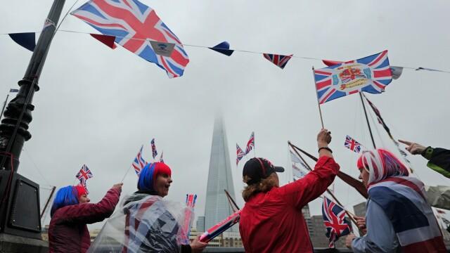 Jubileul de Diamant al Reginei: 10000 de oameni prezenti la picnicul de la Palatul Buckingham - Imaginea 1
