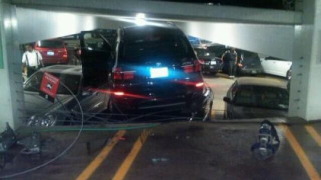 Un sofer din SUA a reusit IMPOSIBILUL. Cum a intrat cu masina intr-o parcare publica