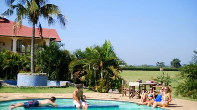 piscina club de golf, Tanzania