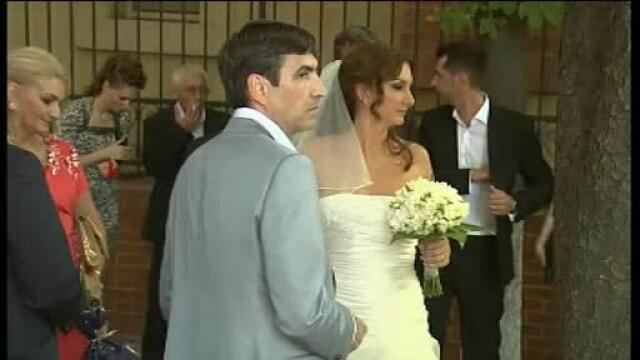Victor Piturca a fost ca un leu in cusca, la nunta fiicei sale. Nas a fost Cosmin Olaroiu