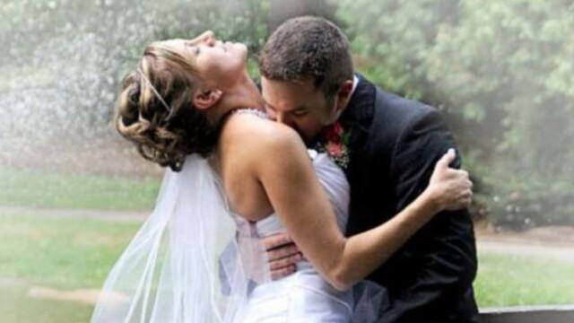 Castitatea, la un alt nivel. Cuplurile care se saruta pentru prima data abia in fata altarului