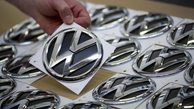 Lovitura pentru proprietarii de masini germane. Ce decizie a luat cel mai mare producator auto din Europa