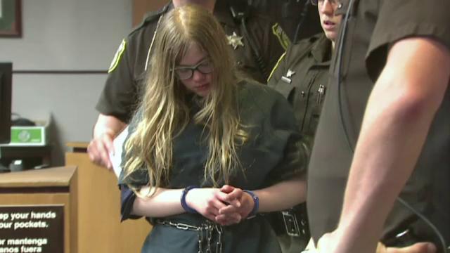 Doua adolescente din SUA risca 65 de ani de inchisoare pentru ca si-au injunghiat o prietena. Site-ul de care erau obsedate