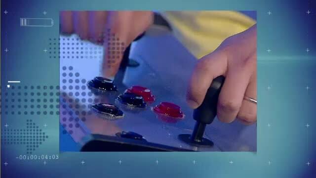 iLikeIT. Romanii care isi construiesc singuri jucariile: un bord de masina sau un arcade complet