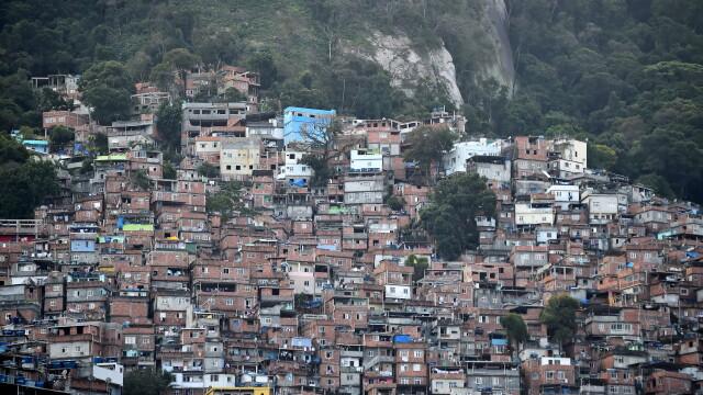 BRAZILIA 2014. Chipul sarac al mahalalelor din Sao Paolo, metropola care lanseaza Campionatul Mondial de Fotbal - Imaginea 1