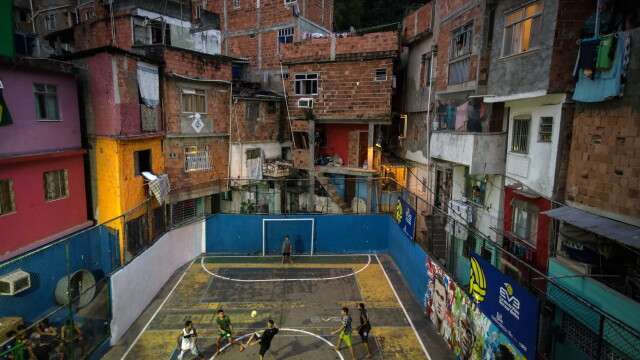 BRAZILIA 2014. Chipul sarac al mahalalelor din Sao Paolo, metropola care lanseaza Campionatul Mondial de Fotbal - Imaginea 2