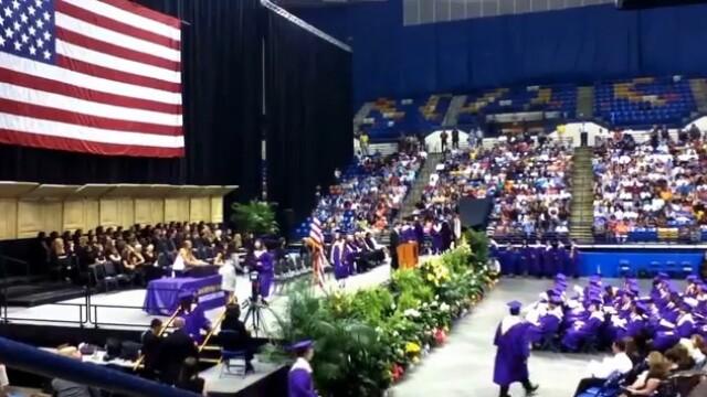 Ceremonie de absolvire a liceului