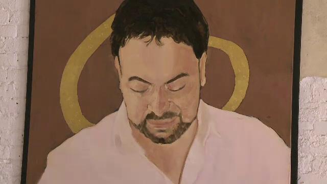 Portrete in ulei si foita de aur ale manelistilor Adi Minune, Florin Salam si Vali Vijelie, la Muzeul Taranului Roman - Imaginea 5