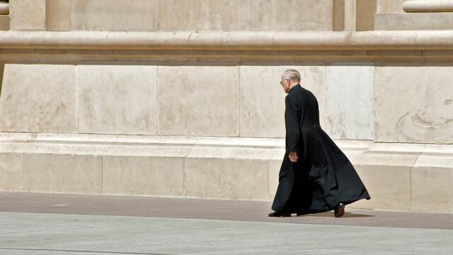 preot catolic mergand