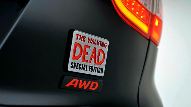 Masina perfecta pentru fanii serialului Walking Dead. Are chiar si sisteme anti-zombie - Imaginea 1
