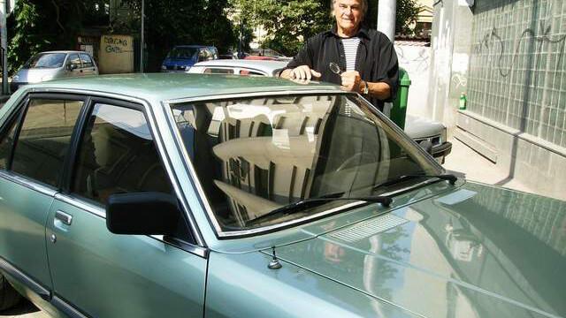 Unul dintre cei mai faimosi actori romani si-a vandut masina pe un site de anunturi. Cat costa un automobil de vedeta - Imaginea 4