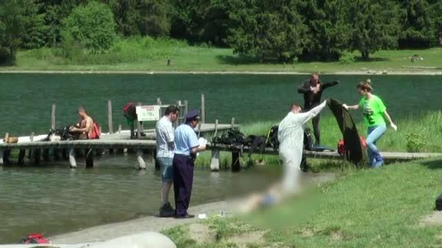 Un adolescent din Ungaria, aflat in excursie in Romania, a murit inecat in lacul Sfanta Ana