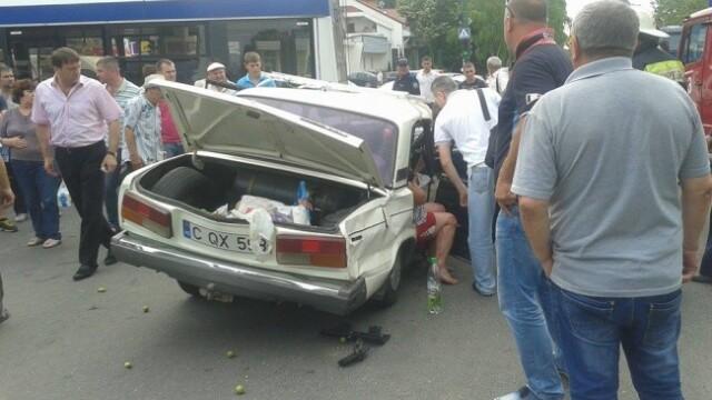accident Lada izbita de un BMW in Chisinau