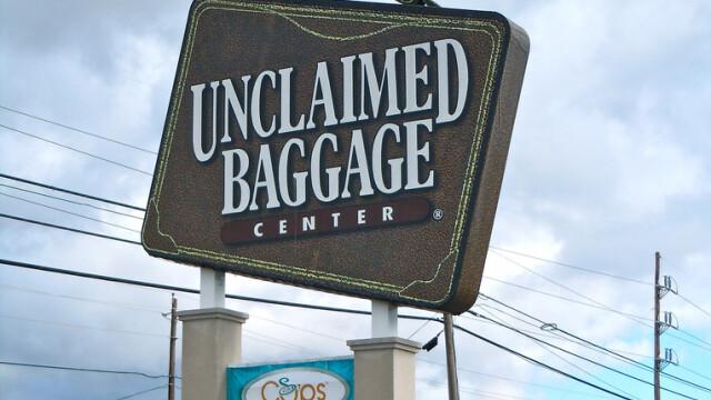 Unde ajung bagajele pierdute la aeroport. Compania care se ocupa de ele a deschis un hypermarket - Imaginea 1