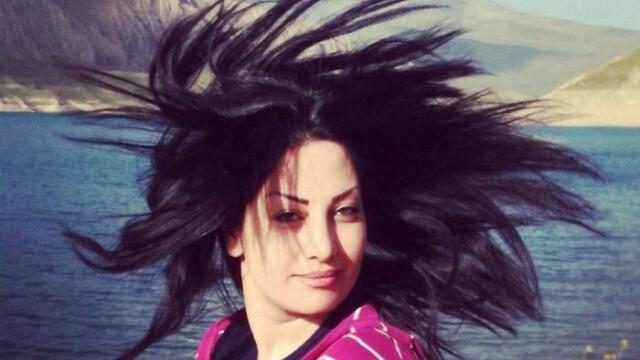 Campania unor femei din Iran care nu mai vor sa isi acopere capul: imaginea devenita simbolul unui protest unic - Imaginea 4