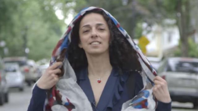 Campania unor femei din Iran care nu mai vor sa isi acopere capul: imaginea devenita simbolul unui protest unic