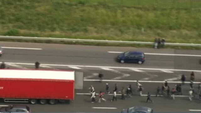 Calais, imigranti fug dupa TIR