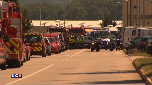 ISIS a incercat sa arunce in aer o uzina langa Lyon si a ucis un om. Nivelul de ALERTA TERORISTA ridicat la MAXIM - Imaginea 9