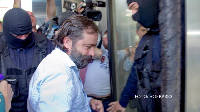 Ion Obloja, este adus la sediul Directiei de Investigare a Infractiunilor de Criminalitate Organizata si Terorism (DIICOT).